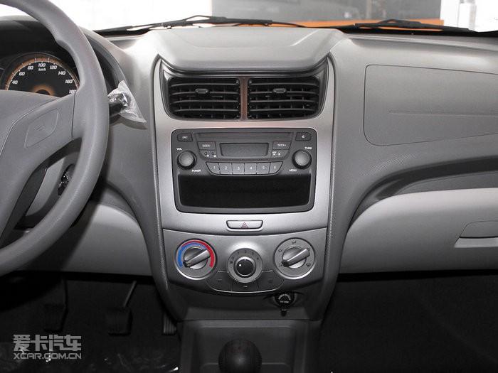 角逐低价车市场 雪弗兰新   雪佛兰新赛欧   2010款赛欧 高清图片