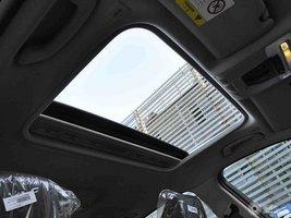 宝马3系 天窗车内视角