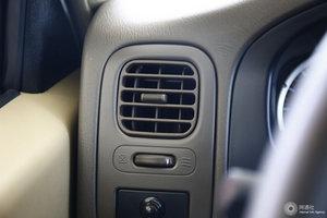D22厢式车 空调出风口