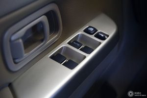 日产ZN厢式车 左前车窗控制