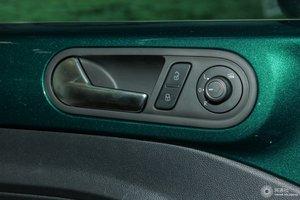 进口甲壳虫              左前车窗控制