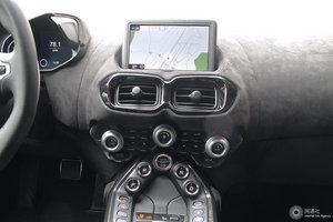 阿斯顿·马丁V8 Vantage 中控台