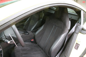 阿斯顿·马丁V8 Vantage 前排座椅
