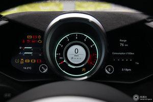 阿斯顿·马丁V8 Vantage 仪表盘