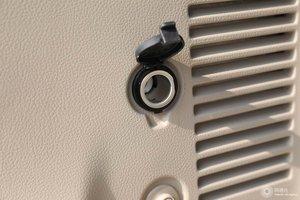 进口日产贵士 车内电源接口(点烟器)