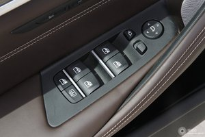 宝马5系 左前车窗控制