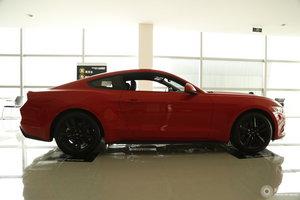 福特Mustang            右正侧