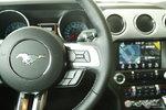 福特Mustang            多功能方向盘键右侧