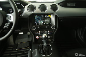 福特Mustang            中控台
