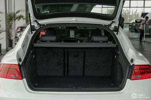 奥迪S5 行李箱空间