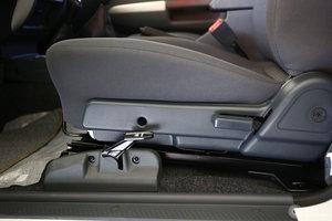 锐骐皮卡 主驾座椅调节