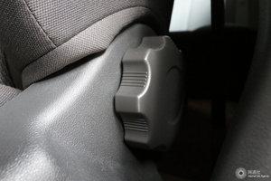 荣威350 主驾座椅调节