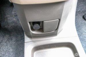 日产NV200 车内电源接口(点烟器)