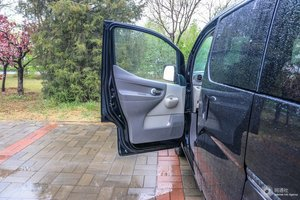 日产NV200 左前车门