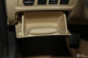 长安新逸动 驾驶席左侧下方储物格