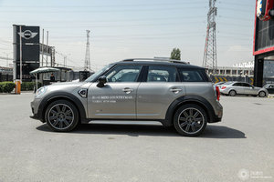 MINI COUNTRYMAN 左正侧