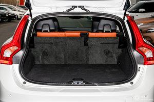 进口沃尔沃V60 行李箱空间