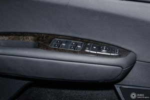 起亚K5 左前车窗控制