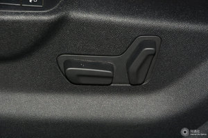 DS 5 主驾座椅调节