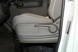 上汽大通V80 主驾座椅调节