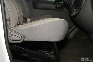 上汽大通V80 副驾座椅调节