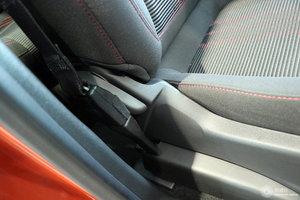 别克昂科拉 副驾座椅调节