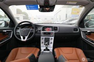 沃尔沃S60L 全景内饰(后排)