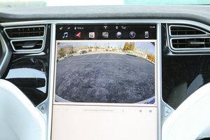 特斯拉MODEL X 倒车影像