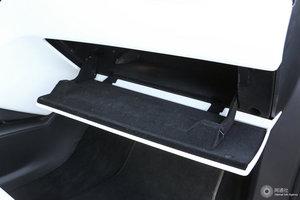 特斯拉MODEL X 手套箱