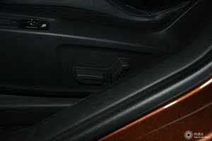 DS 6 主驾座椅调节