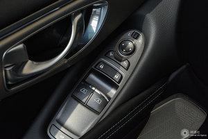 英菲尼迪Q60 左前车窗控制