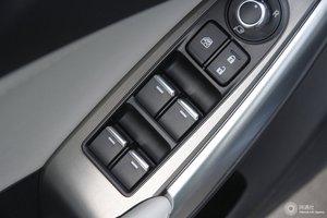 马自达阿特兹 左前车窗控制