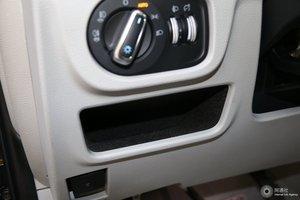 瑞风M6 驾驶席左侧下方储物格
