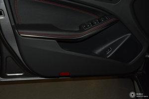 进口奔驰GLA级AMG 左前车门储物空间
