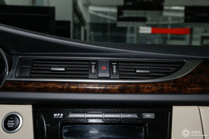 众泰Z560 中控台