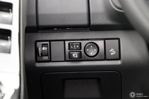 五十铃D-MAX 外后视镜调节控制