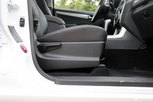 五十铃D-MAX 副驾座椅调节