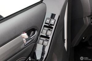五十铃D-MAX 左前车窗控制