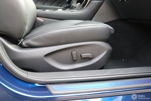 英菲尼迪Q50L 副驾座椅调节
