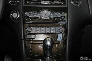 英菲尼迪QX50 中控台