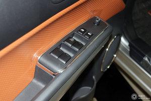 风度MX6 左前车窗控制