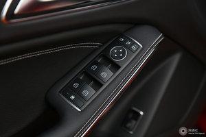 奔驰GLA级 左前车窗控制