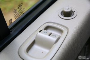 福特途睿欧 左前车窗控制