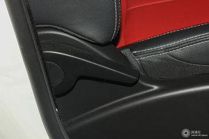 众泰E200 副驾座椅调节