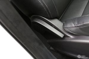 众泰SR7 副驾座椅调节