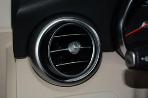 进口奔驰C级旅行轿车 空调出风口