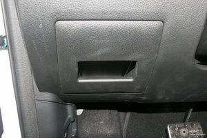 风光580 驾驶席左侧下方储物格