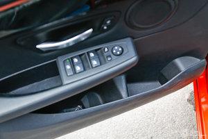 宝马2系旅行车 左前车窗控制