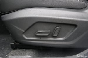 荣威RX5 主驾座椅调节