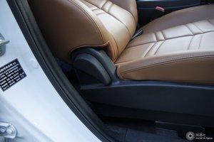 风度MX5 副驾座椅调节